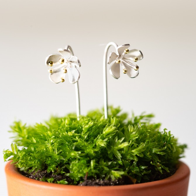 NEW – buttercup stem earrings silver and gold