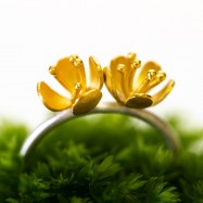 NEW – buttercup ring double flower